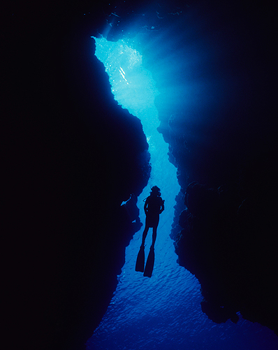 Diving holidays scuba mediterranean sea clear water for Gozo dive centres